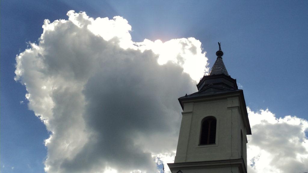 tpl-torony-nappal-felhővel-2-1024x576